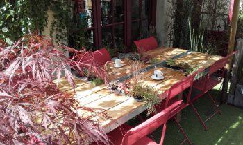 Table restaurant terrasse extérieur esprit vert