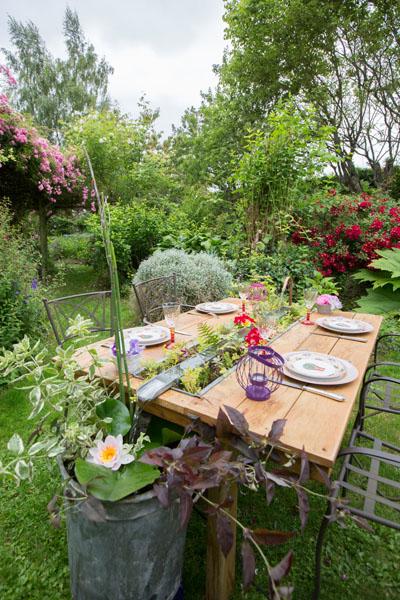 table de jardin intérieur extérieur